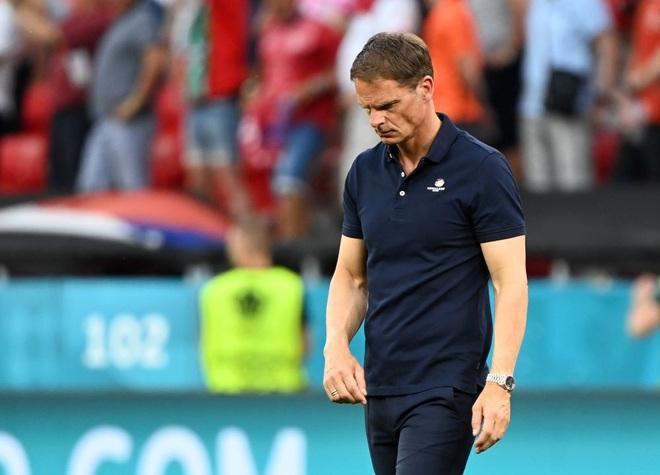 Giọt nước mắt cay đắng của người Hà Lan sau thất bại trước CH Séc - 14