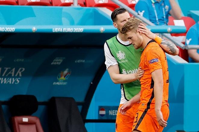 Giọt nước mắt cay đắng của người Hà Lan sau thất bại trước CH Séc - 4