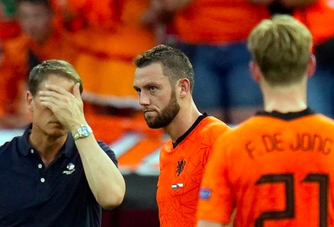 Giọt nước mắt cay đắng của người Hà Lan sau thất bại trước CH Séc - 8