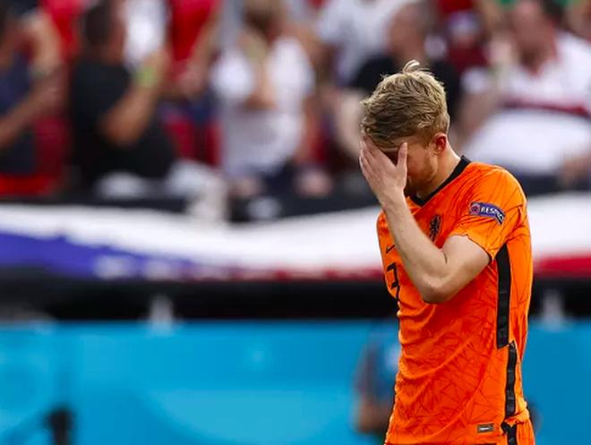 Giọt nước mắt cay đắng của người Hà Lan sau thất bại trước CH Séc - 3