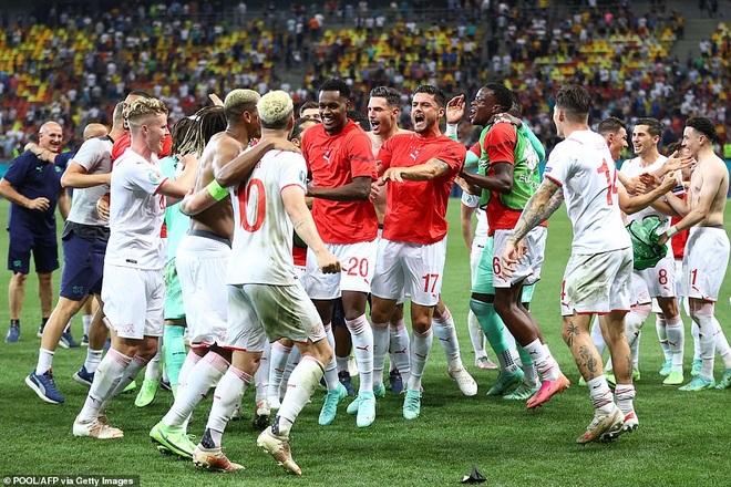 Nỗi đau xé lòng của Mbappe khi hóa tội đồ khiến Pháp bị loại ở Euro 2020 - 18