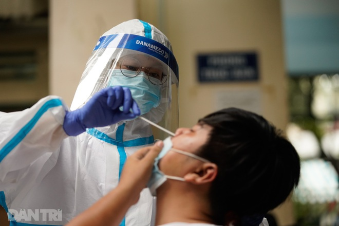 Món quà ý nghĩa từ Abena Việt Nam: Băng vệ sinh nam, tã giấy giảm áp lực cho y bác sĩ chống Covid-19 - 2