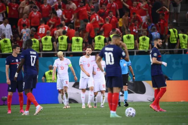 Nỗi đau xé lòng của Mbappe khi hóa tội đồ khiến Pháp bị loại ở Euro 2020 - 12