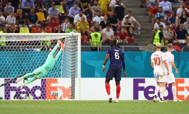 Nỗi đau xé lòng của Mbappe khi hóa tội đồ khiến Pháp bị loại ở Euro 2020 - 8