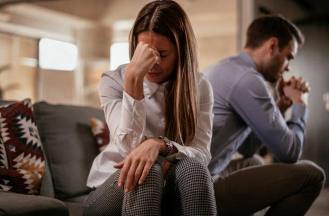 Bị vợ đòi ly dị chỉ sau một lần đi chơi riêng với đồng nghiệp nữ - 1