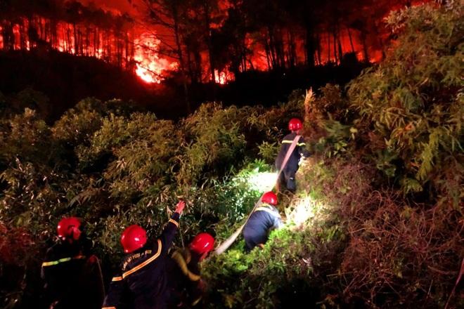 Đám cháy rừng lớn nhất 30 năm qua ở Thừa Thiên Huế đã được dập tắt - 1