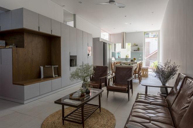 Cải tạo căn nhà 40 năm tuổi đẹp ngỡ ngàng ở Sài Gòn - 5