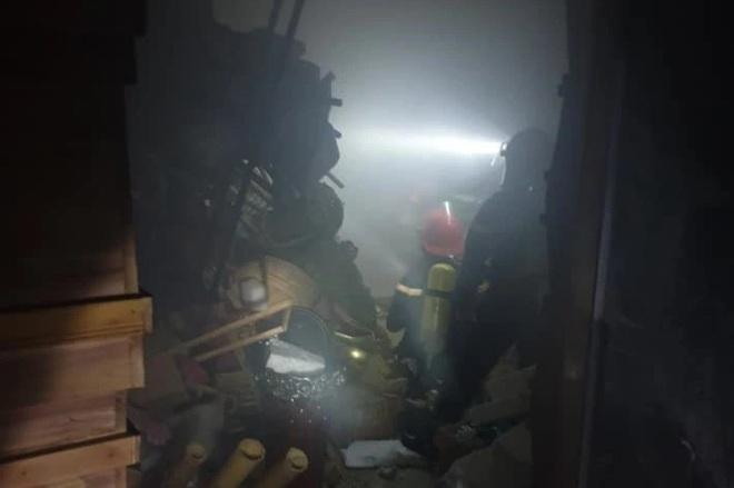 Cháy cửa hàng hoa tươi, 4 người đang ngủ may mắn thoát nạn - 2