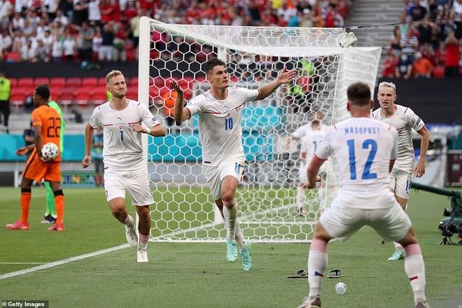 CH Séc - Đan Mạch (23h ngày 3/7): Vũ điệu của bóng đá tấn công - 2