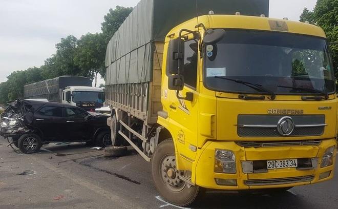 Tai nạn liên hoàn giữa 9 ô tô, 1 người tử vong - 8
