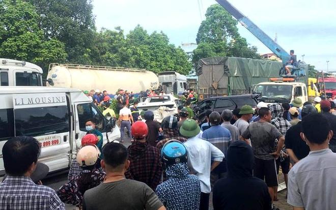 Tai nạn liên hoàn giữa 9 ô tô, 1 người tử vong - 1