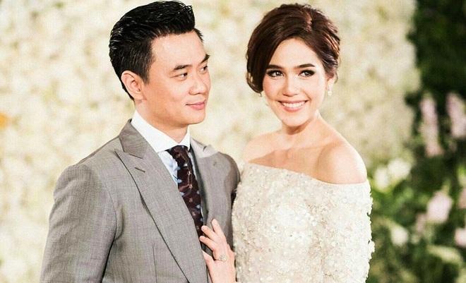 Cuộc sống như mơ của bông hồng lai Thái Lan được chồng tặng siêu xe 17 tỷ - 4