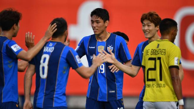 Ulsan Hyundai có trận thắng thứ ba liên tiếp tại AFC Champions League - 2