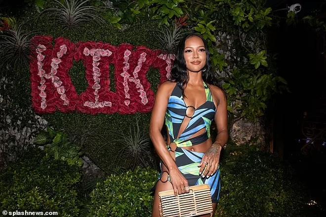 Người mẫu gốc Việt Karrueche Tran mặc bốc lửa đi dự tiệc - 7