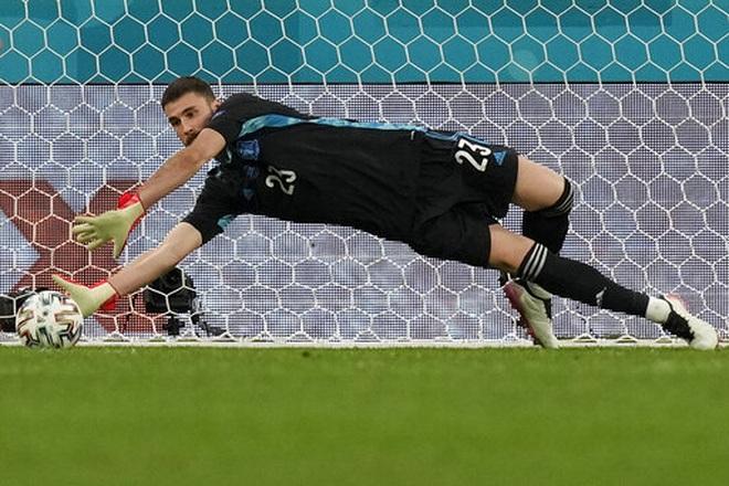 HLV Tây Ban Nha nói gì sau chiến thắng nghẹt thở trước Thụy Sỹ? - 2