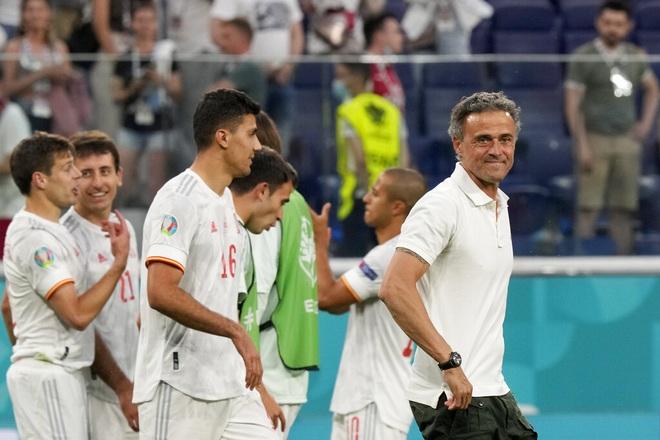 HLV Tây Ban Nha nói gì sau chiến thắng nghẹt thở trước Thụy Sỹ? - 1