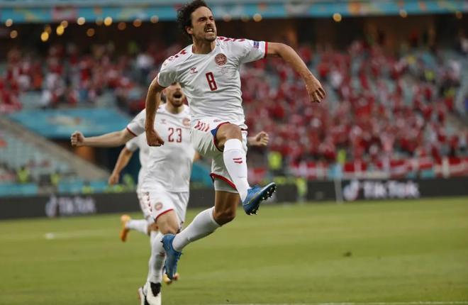 Đan Mạch viết tiếp truyện cổ tích Andersen tại Euro 2020 - 1