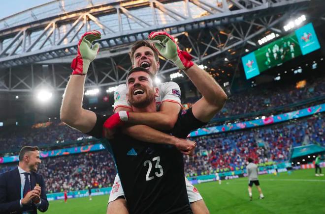 Nước mắt tuyển Thụy Sỹ sau loạt luân lưu kỳ lạ với Tây Ban Nha - 10