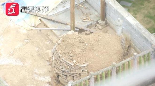 Thực hư việc xây mộ trên nóc chung cư khiến nhiều người ngã ngửa - 3