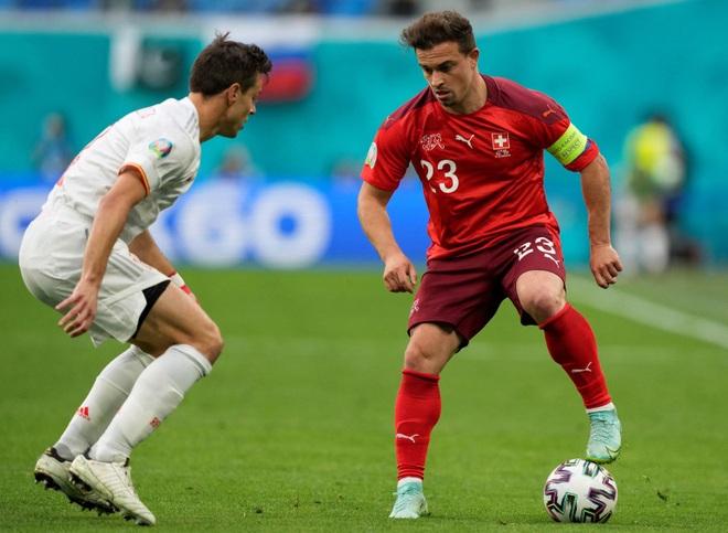Đội hình tiêu biểu tứ kết Euro 2020: Tam Sư biểu dương sức mạnh - 9