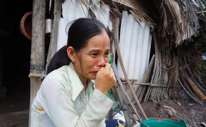 Vợ chồng nghèo kiết trong ngôi nhà xơ xác, 2 đứa con nguy cơ phải nghỉ học - 1