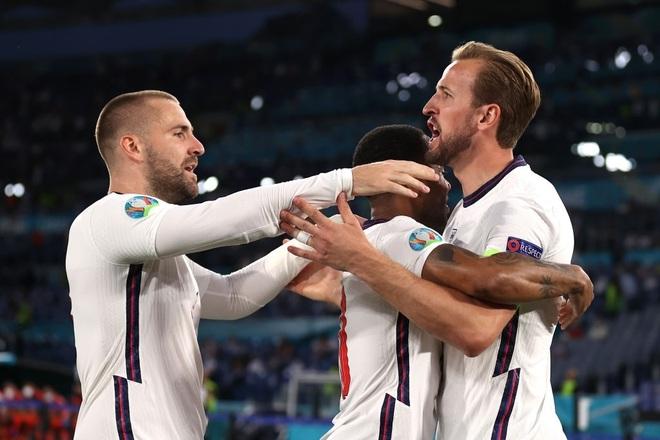 Chống bóng bổng kém, Ukraine thua tan nát trước tuyển Anh - 4