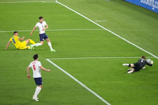 Chống bóng bổng kém, Ukraine thua tan nát trước tuyển Anh - 5