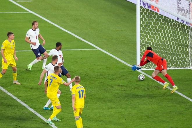 Chống bóng bổng kém, Ukraine thua tan nát trước tuyển Anh - 13