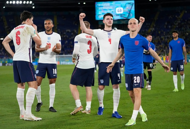 Chống bóng bổng kém, Ukraine thua tan nát trước tuyển Anh - 18