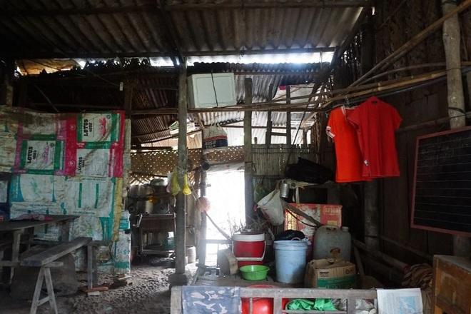 Vợ chồng nghèo kiết trong ngôi nhà xơ xác, 2 đứa con nguy cơ phải nghỉ học - 3