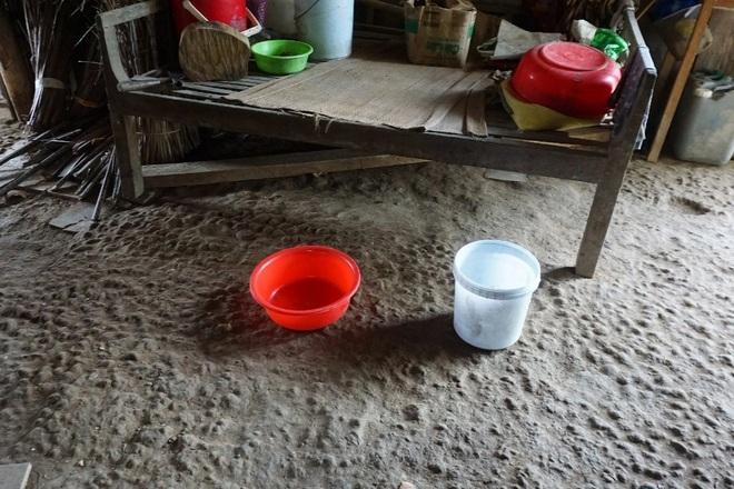 Vợ chồng nghèo kiết trong ngôi nhà xơ xác, 2 đứa con nguy cơ phải nghỉ học - 4