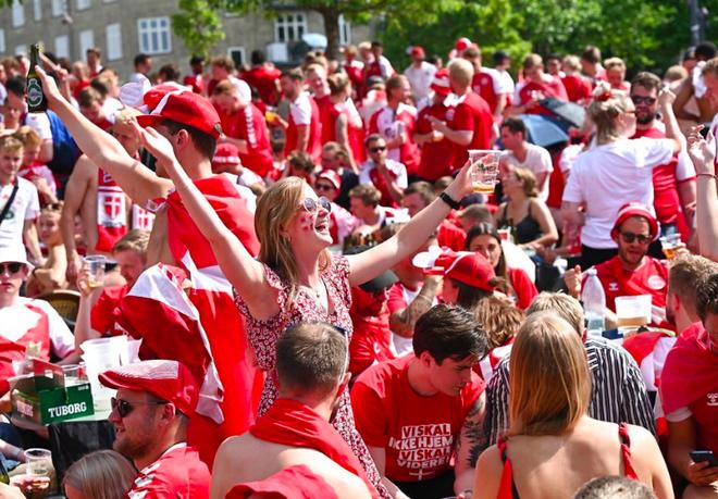 Đan Mạch viết tiếp truyện cổ tích Andersen tại Euro 2020 - 6