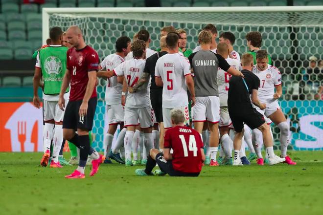 Đan Mạch viết tiếp truyện cổ tích Andersen tại Euro 2020 - 9