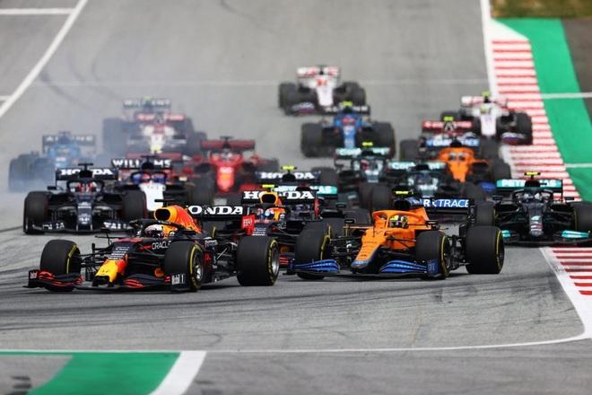 Đua F1 chặng 9: Verstappen thắng tuyệt đối, Hamilton tiếp tục gây thất vọng - 5