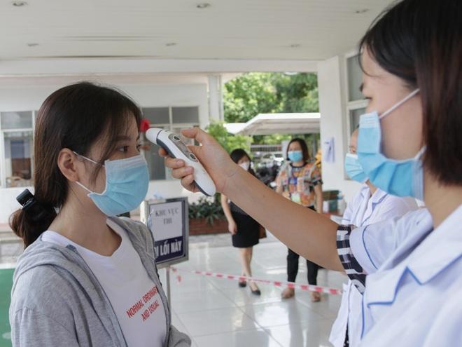 Hà Nội đảm bảo thế nào cho hơn 100.000 thí sinh thi tốt nghiệp THPT? - 1