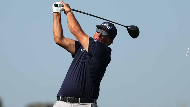 Thành công của lão đại Phil Mickelson là động lực với các golfer lớn tuổi - 1
