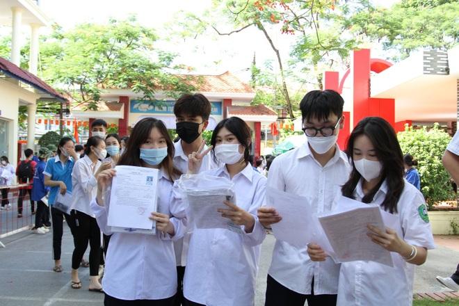 Sáng nay, gần 1 triệu thí sinh thi môn Ngữ Văn tốt nghiệp THPT - 2