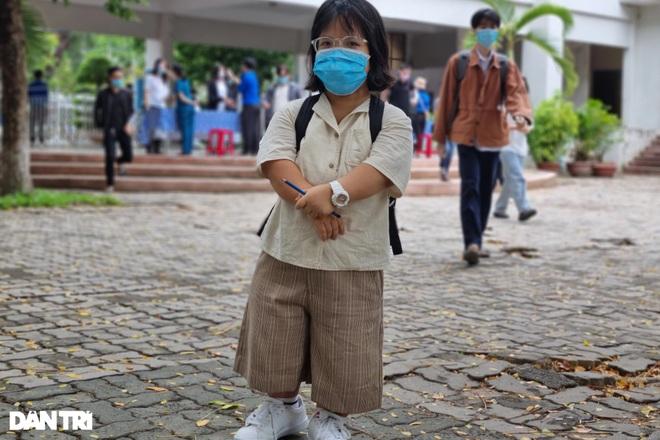 Thí sinh tí hon cao 1,2m ở Đà Nẵng, đặt mục tiêu đạt điểm tối đa 3 môn  - 1