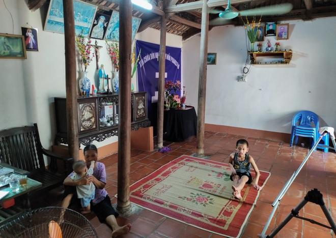 Những đứa trẻ ngây dại mồ côi cha khẩn cầu sự giúp đỡ - 4