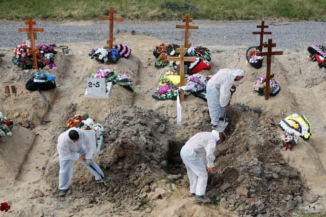 Nga trải qua tuần thứ 4 chết chóc kỷ lục vì Covid-19 - 1