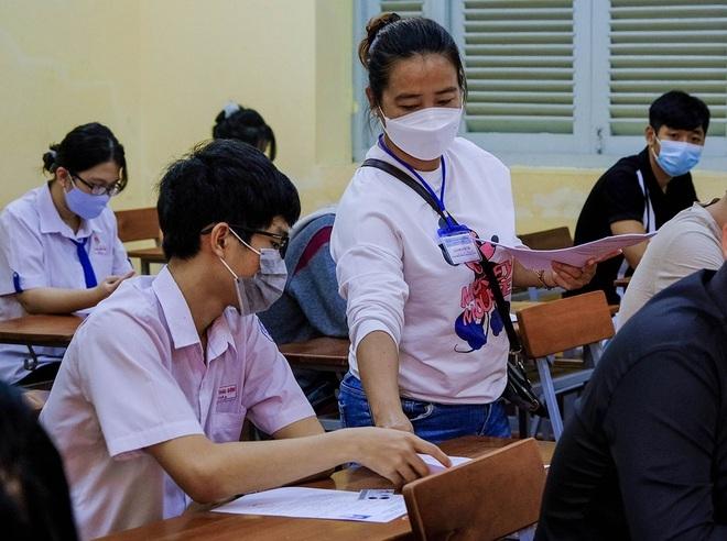 Sáng nay, gần 1 triệu thí sinh thi môn Ngữ Văn tốt nghiệp THPT - 6