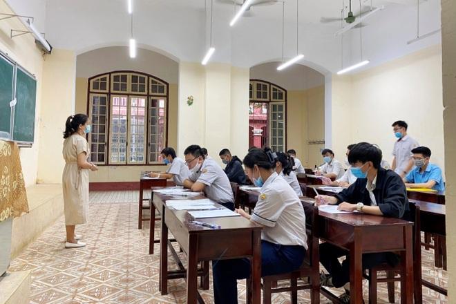 Một thí sinh của TP Huế đạt điểm 10 môn Văn thi tốt nghiệp THPT - 1