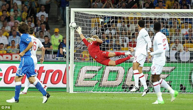 Lịch sử đối đầu Anh - Italia: Azzurri luôn thắng trận đấu lớn - 1