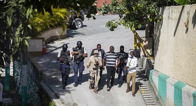 Haiti tuyên bố bắt sống nghi phạm ám sát Tổng thống - 1