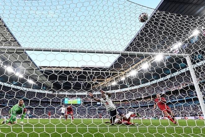 Điểm lại 11 pha phản lưới nhà tạo nên Euro 2020 kỳ lạ nhất lịch sử - 2
