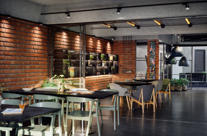 Quán cà phê đa zi năng thiết kế đẹp lạ, bày nhiều tác phẩm nghệ thuật - 12