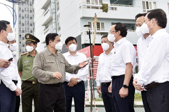 Thủ tướng: Vận động người dân TPHCM hiểu, bình tĩnh khi cách ly xã hội - 1