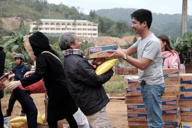 Thầy giáo trẻ hơn 10 năm làm thiện nguyện giúp đỡ người nghèo - 6