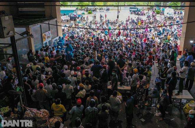 TPHCM: 46.700 người khỏi Covid-19 xuất viện, kiểm soát ổ dịch chợ Bình Điền - 1