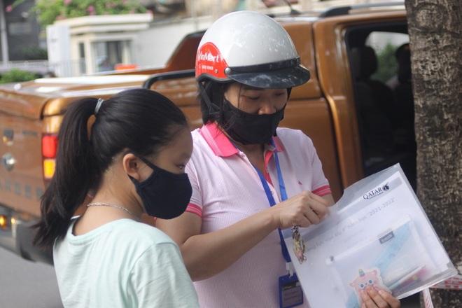 Hôm nay, hơn 3000 thí sinh tranh tài vào lớp 6 trường THCS Nguyễn Tất Thành - 4